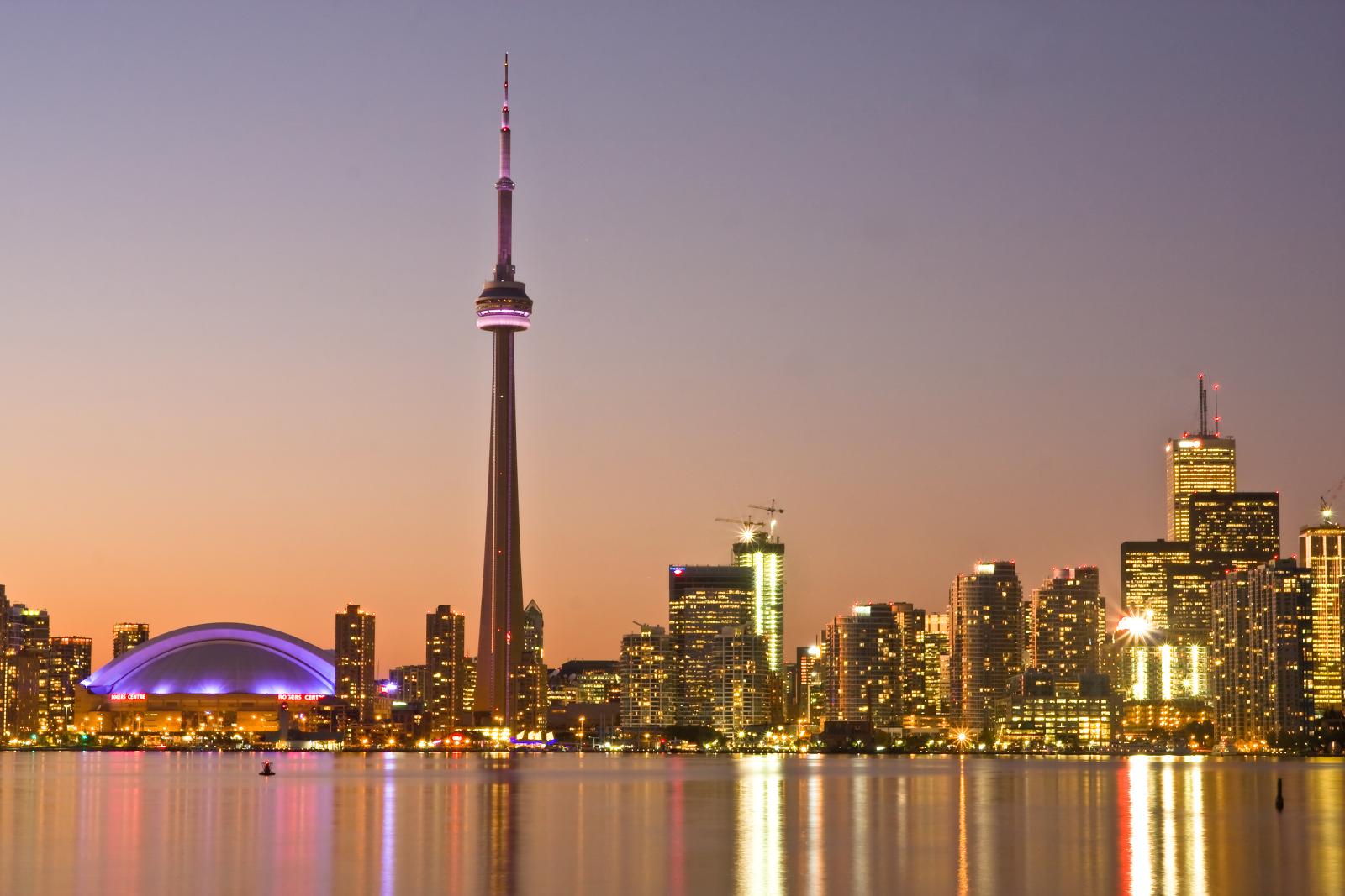 Canada Niagara falls skyline needle