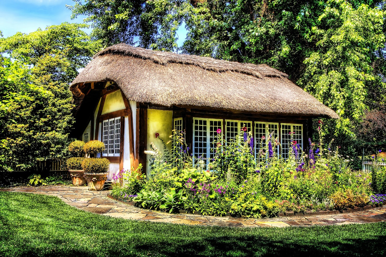 House-Swapping exotic outdoors home