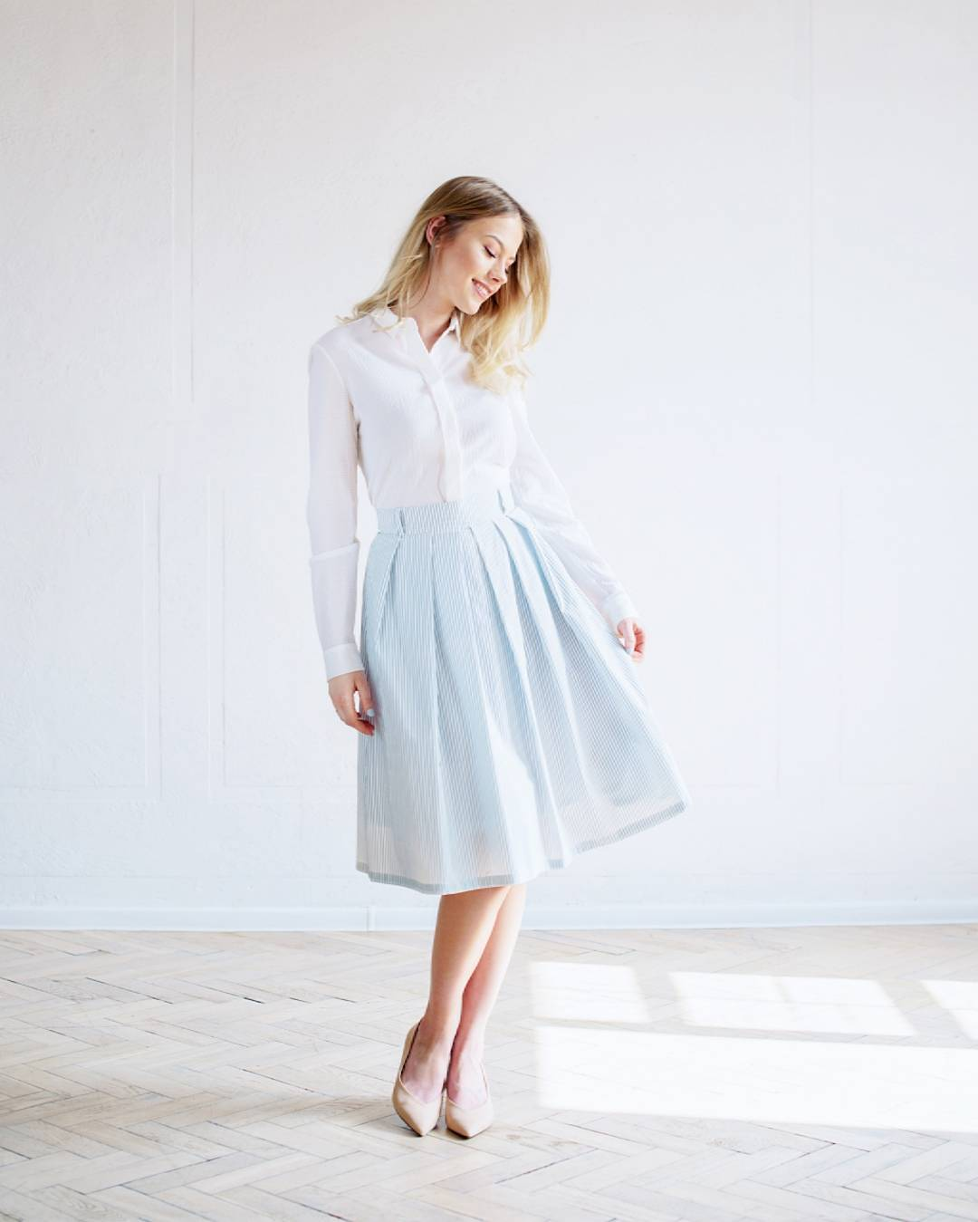 church dress women white and blue
