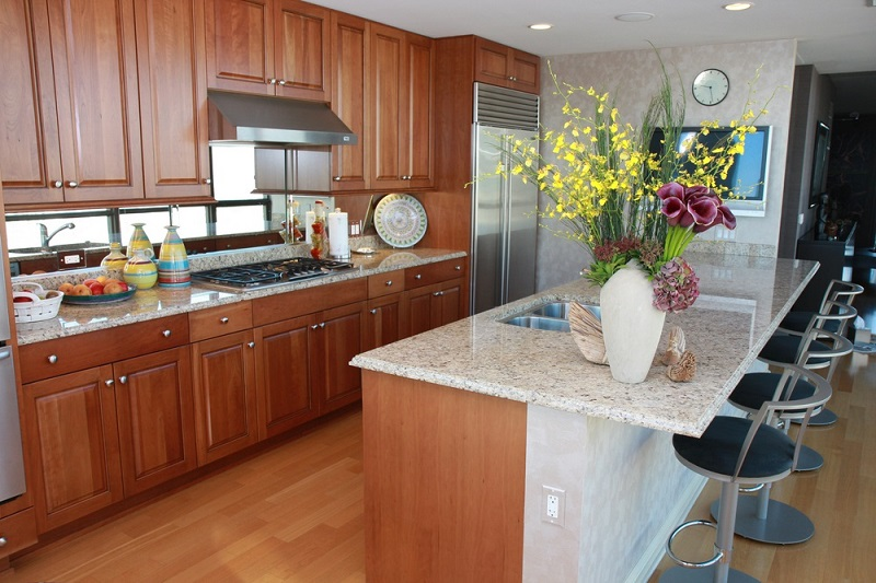 Kitchen Cabinets island in the middle