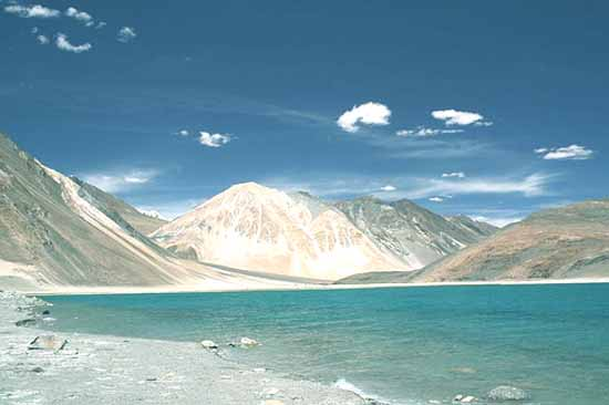 Ladakh salt mountains trekking