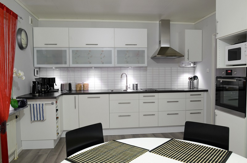 Decorate Your Kitchen in A Stylish Manner