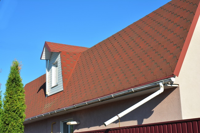 Gutter Replacement red roof home