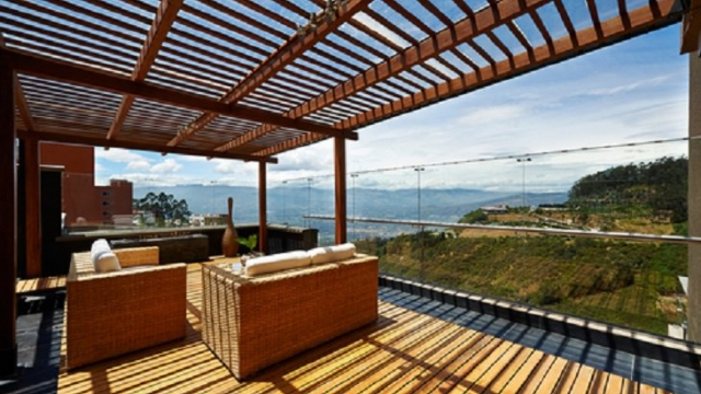 Using an Enclosed Patio to Enlarge Your Houses