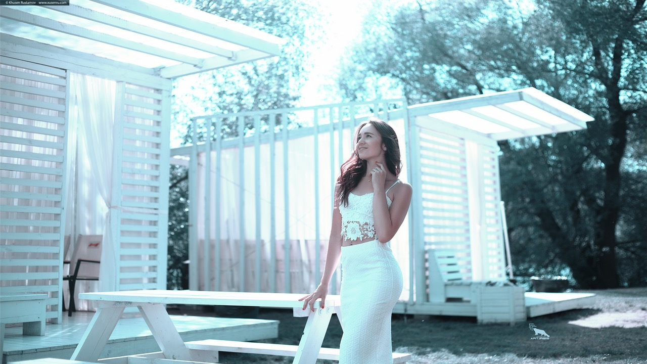 choose the right skirt white suit