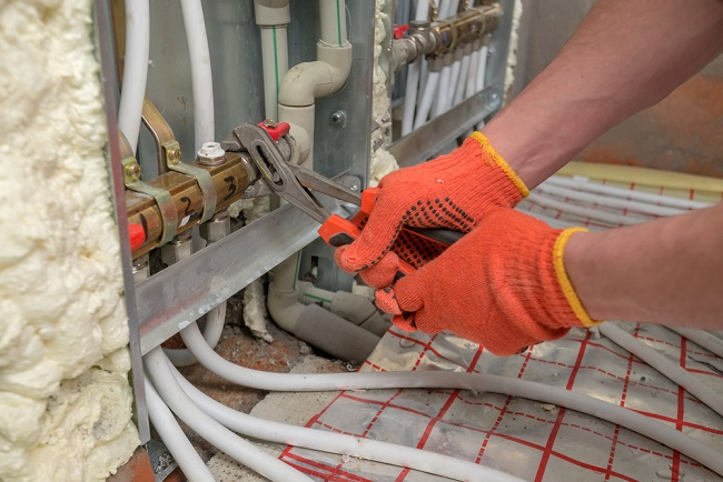 Hydronic Floor Heating gloves with hoses