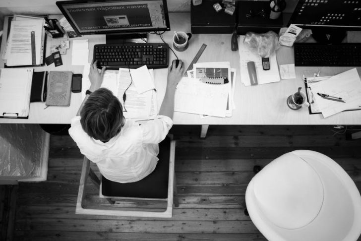 self-employed tips with office desk