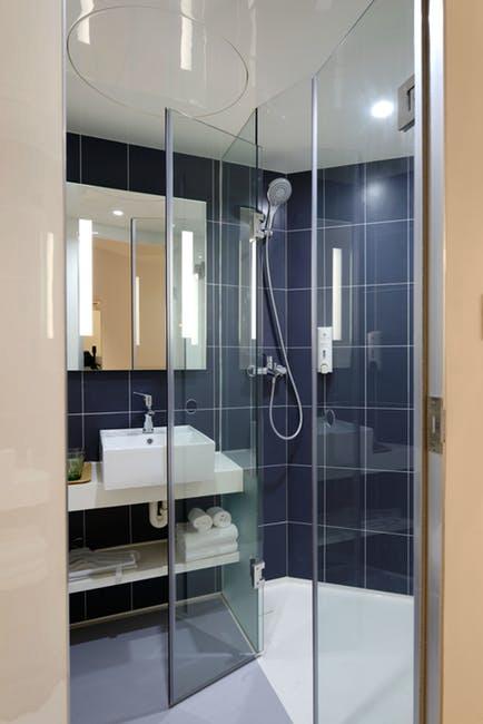 Basic Bathroom glass