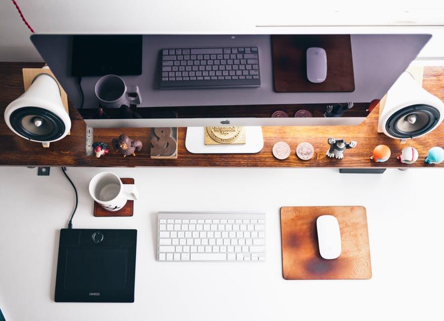 Millennials technology desktop