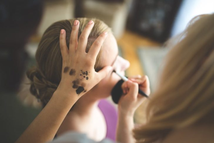 Is it difficult to keep an airbrush makeup gun clean?