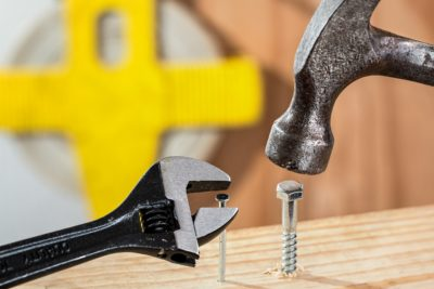 5 DIY Ideas to Fix Up the Garage