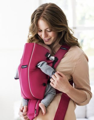 7 Useful Tips For New Moms Travelling With Babies