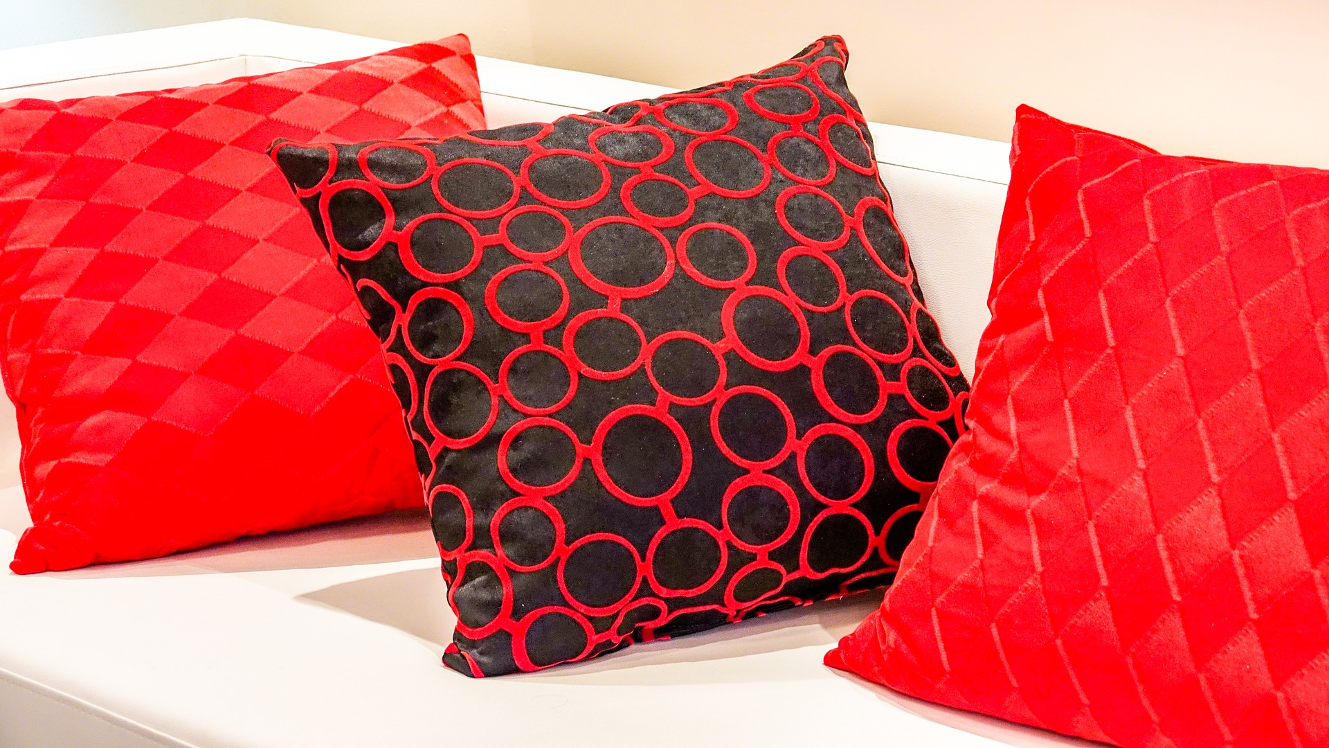 5 Steps to Beatifying Your Home's Interior Decorating red and black pillows
