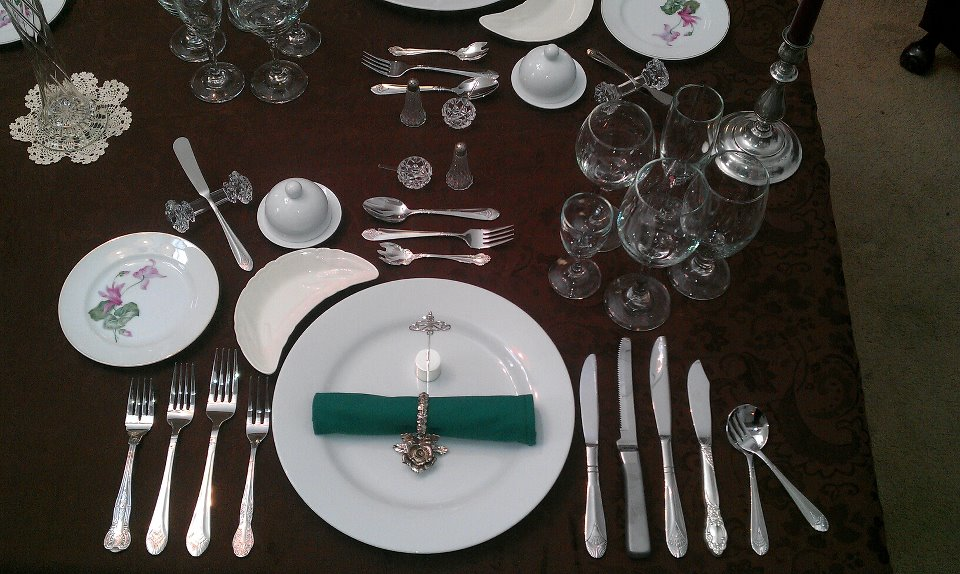 Master The Art Of Fine Dining In 3 Lessons plates