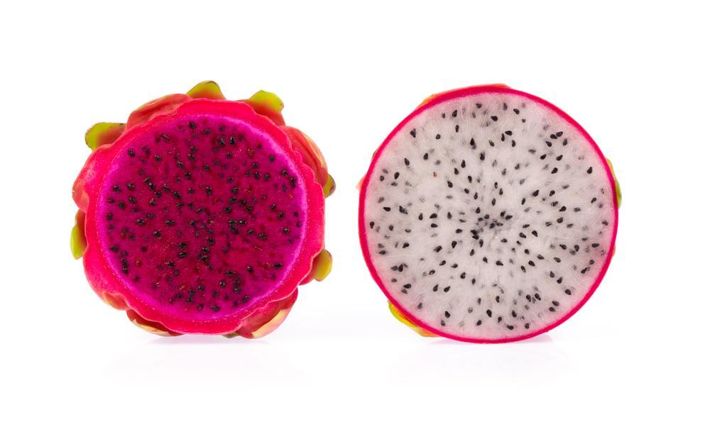 Dragon Fruit ripe and not ripe cut open