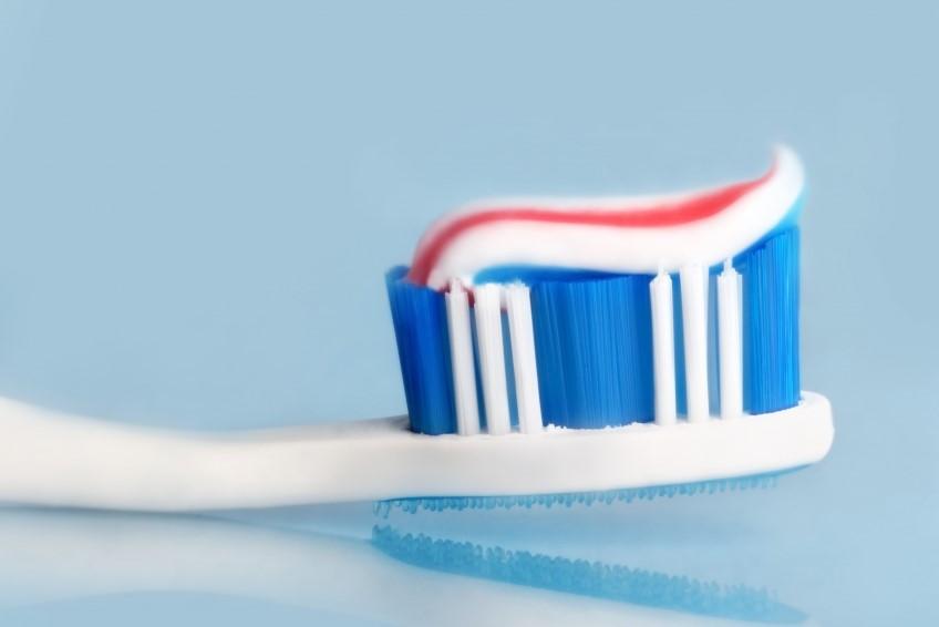 travel kit toothbrush