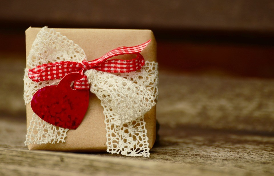 Surprise! Amazing Ways to Turn a Simple Gift Into Something Truly Special lace heart shaped box
