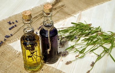 5 Essential Herbal Oils For Working Women