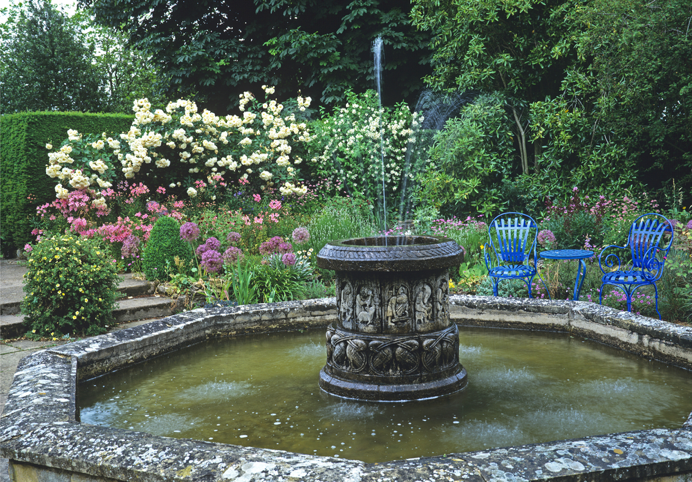 Key Tips on How to Prepare Your Backyard for A Stunning Water Feature fountain