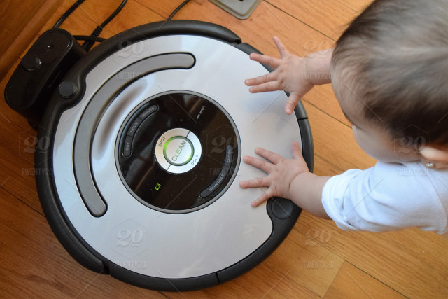 7 Reasons to Buy a Robot Vacuum Cleaner