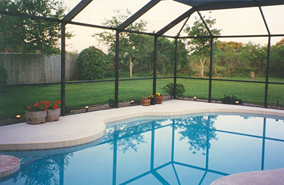 Guide to find the best Glass Fence for your Swimming Pool