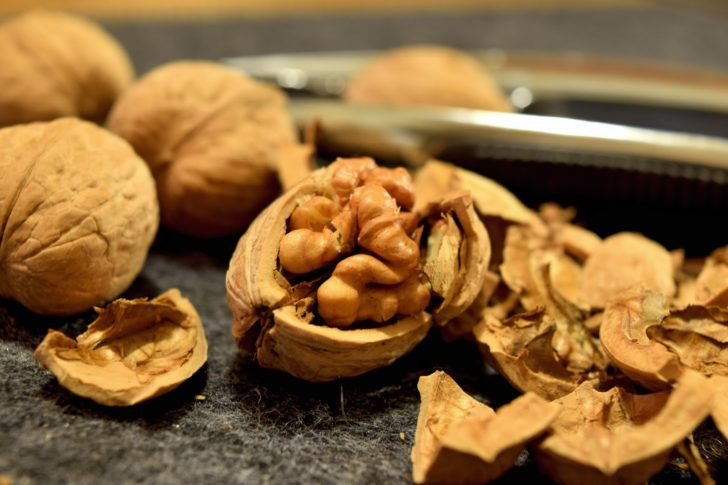 5 Ways a Ketogenic Diet Might Change Your Life walnuts