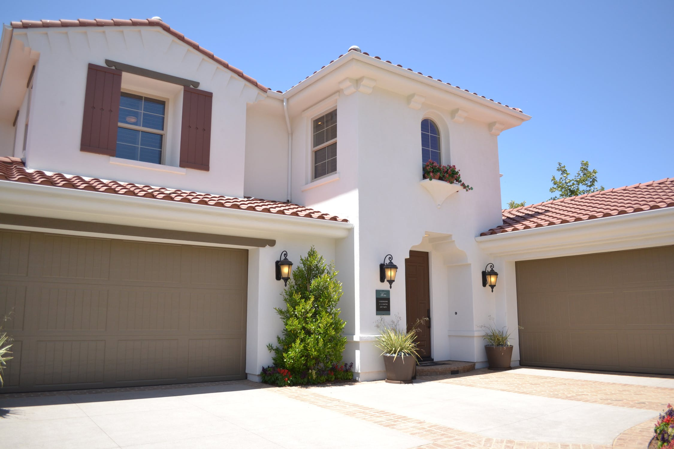 What You Need to Know About Garage Doors in Tempe