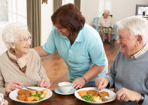 The Importance of Sharing Meals with Other Elders eating