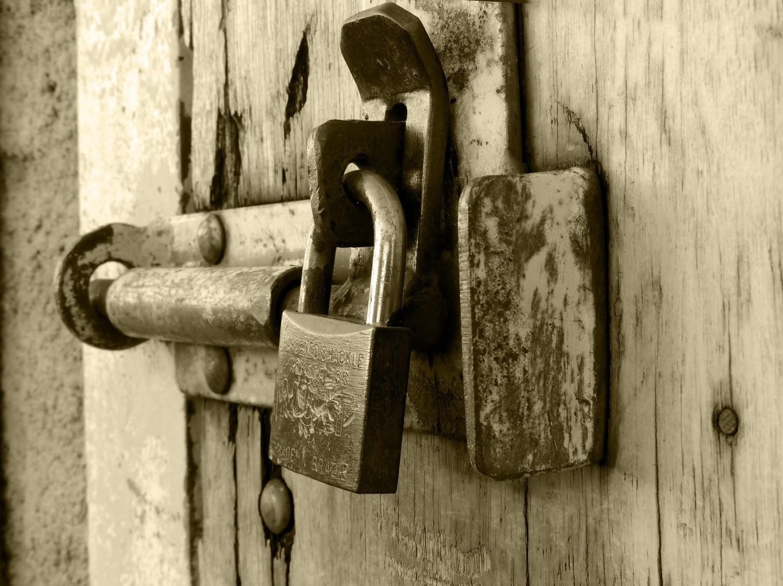 Increasing House Security And Decreasing Paranoia Levels padlock