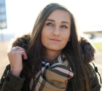 About the Author Amanda Maurois