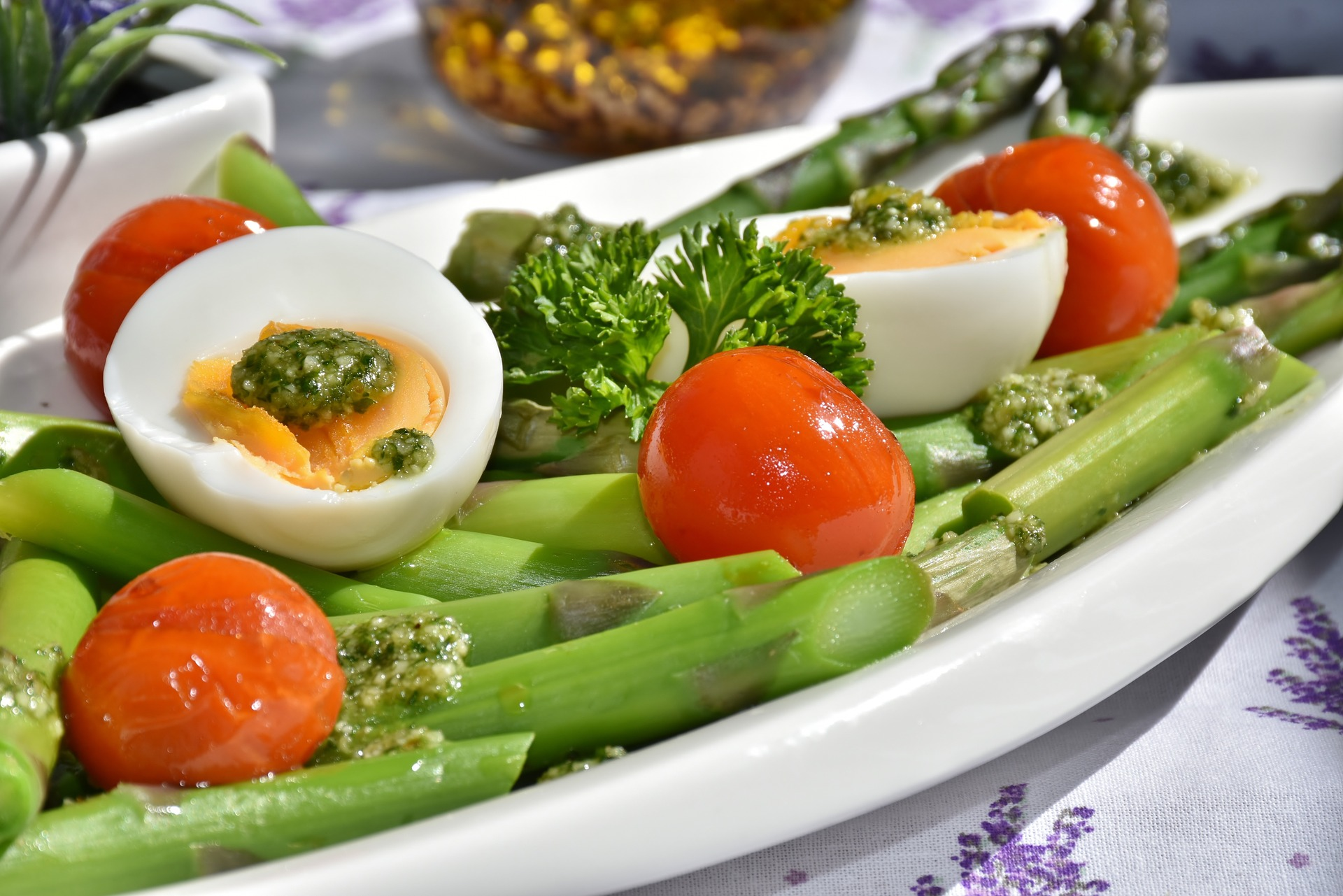 Can MCT Oil Application Add Impetus To The Weight Loss Process salad
