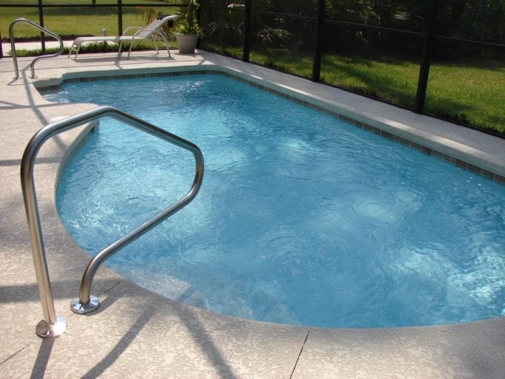 5 Reasons to Invest in a Pool Enclosure