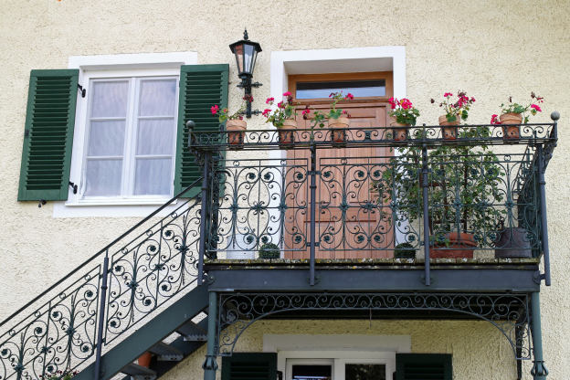 5 House Features That Can Do Better With Metal Work railing