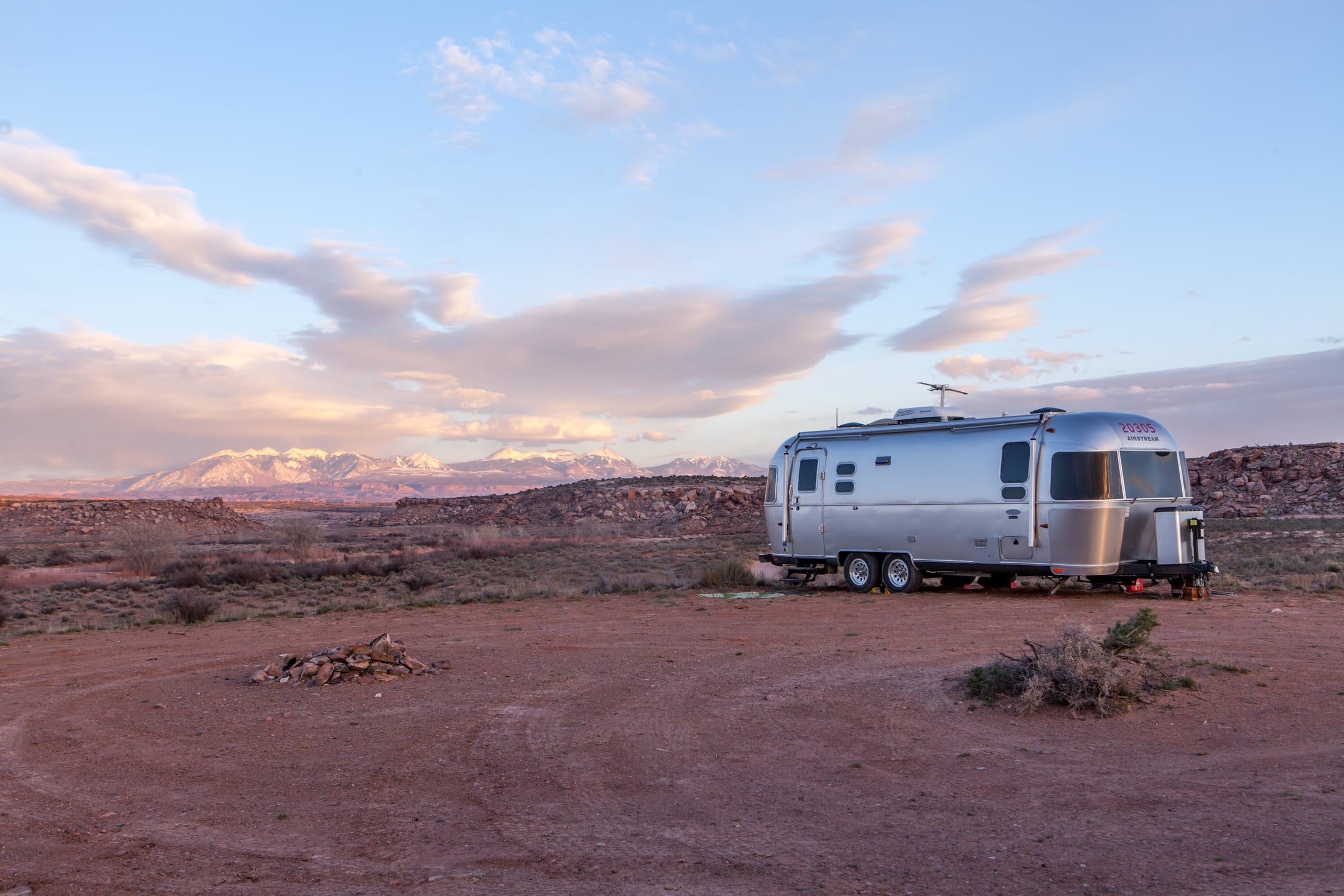 5 Tips for the Best RV Camping Trips - Tasteful Space