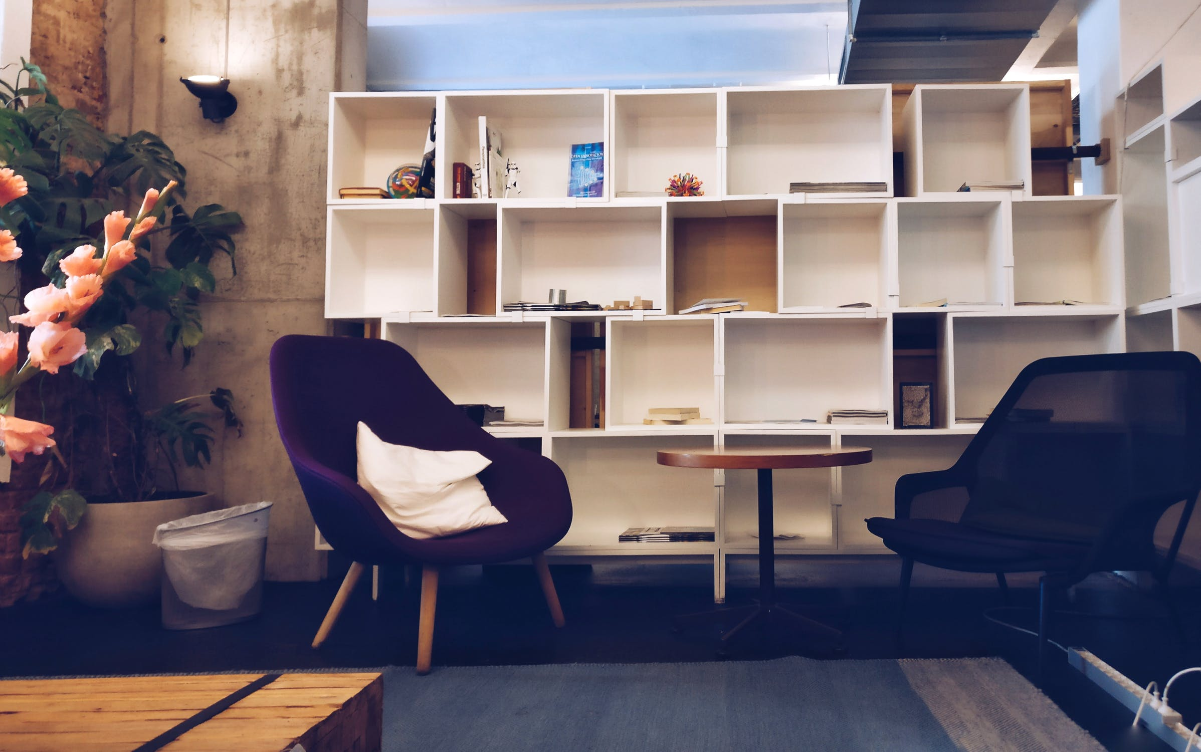 5 Tips to Adding Furniture to Your Home on a Budget