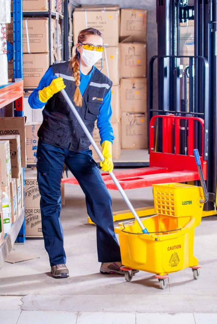 5 questions you must ask the cleaning service before hiring them