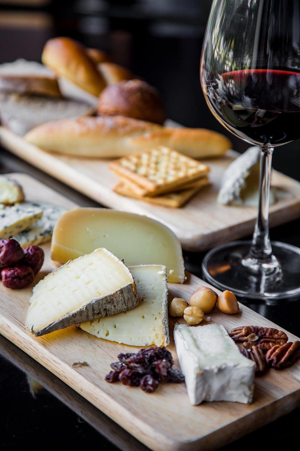Here's How to Make the Best Cheese Board