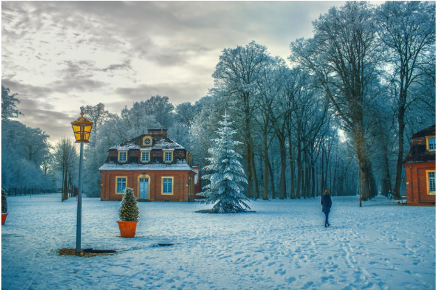 Expert Tips: How to Keep Your Home Warm This Winter While  Cutting on Expenses as Well!