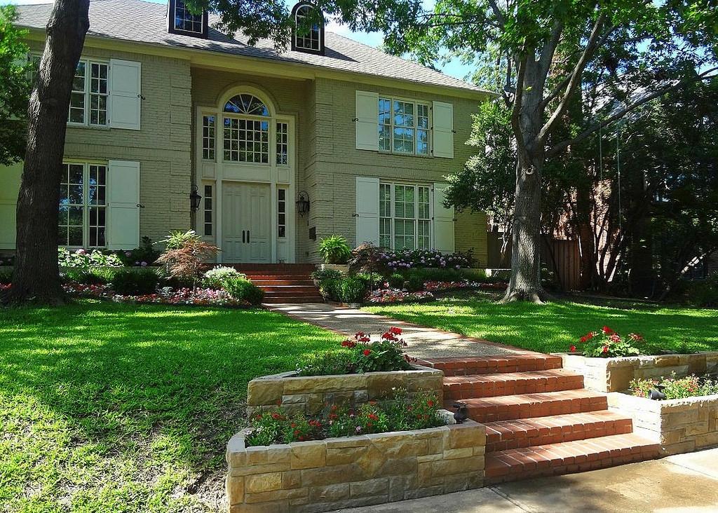"Increase Homebuyers' Enthusiasm: Maximizing ""Curb Appeal"""