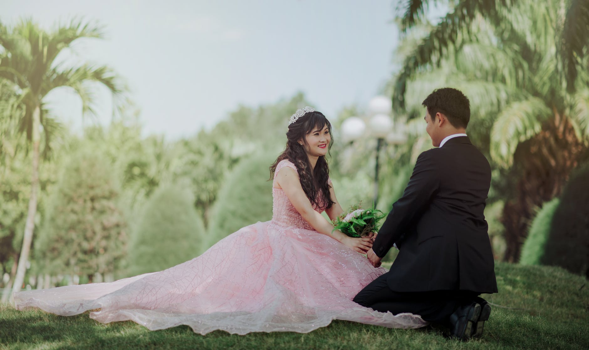 A Houston Wedding Photographer Covers Different Poses For Couples together