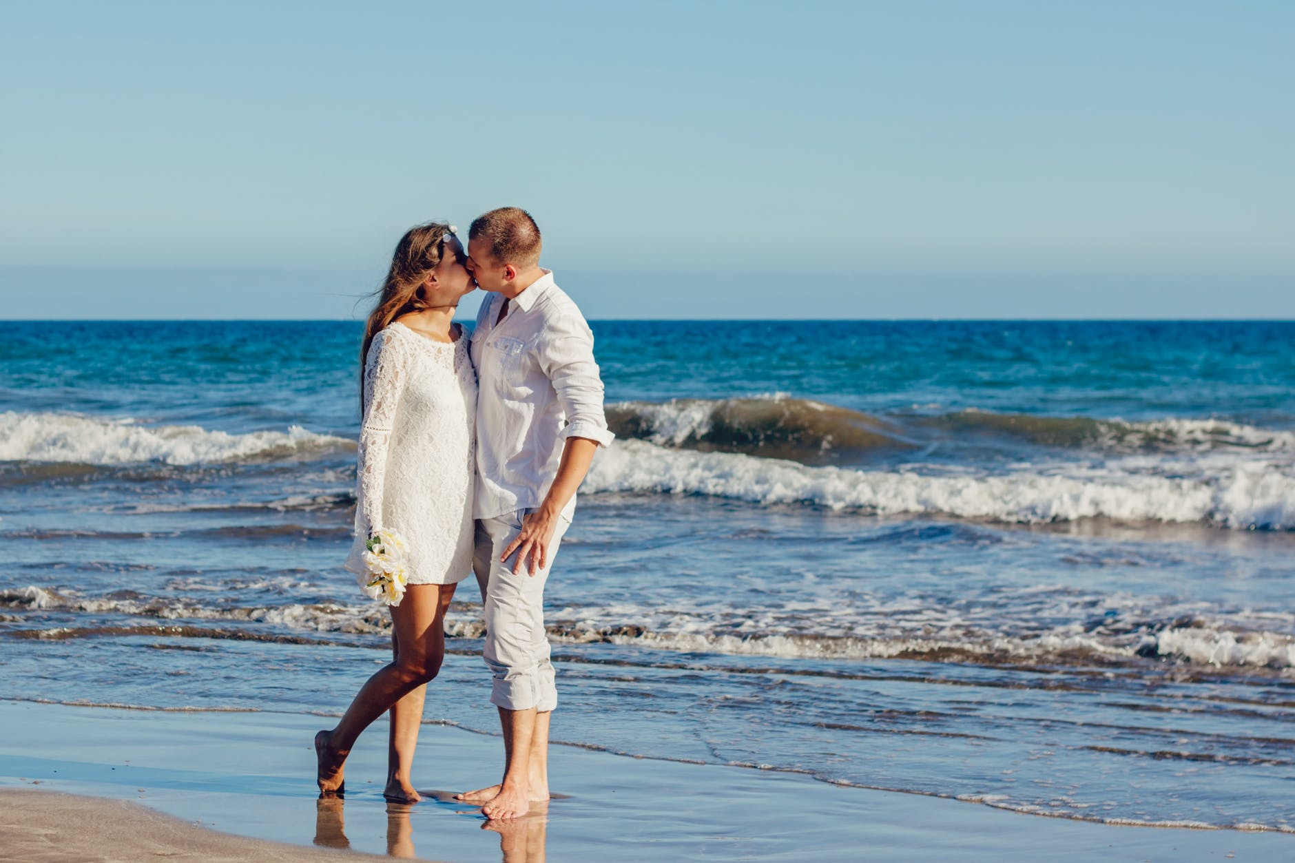 Tips for Drone Wedding Photography kissing