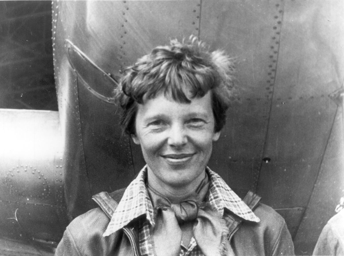 5 Celebrities Who Died in Their Prime earhart