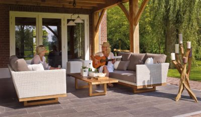 Hardscaping your Outdoor Area for Entertaining Guests