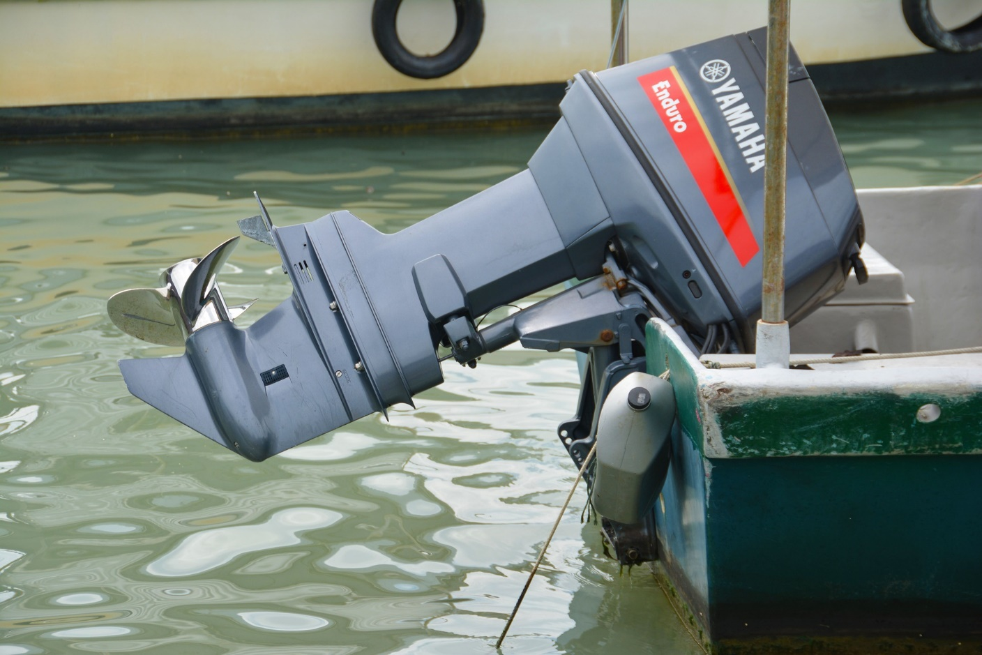 5 Important Outboard Motor Maintenance Tips