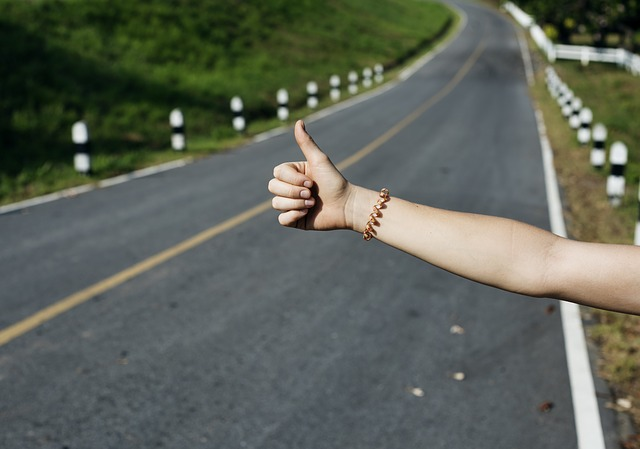 Why You Should Never Stick To A Travel Itinerary thumbs up