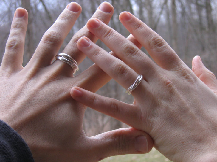 5 Reasons to Be Happy About Buying a Budget Wedding Ring
