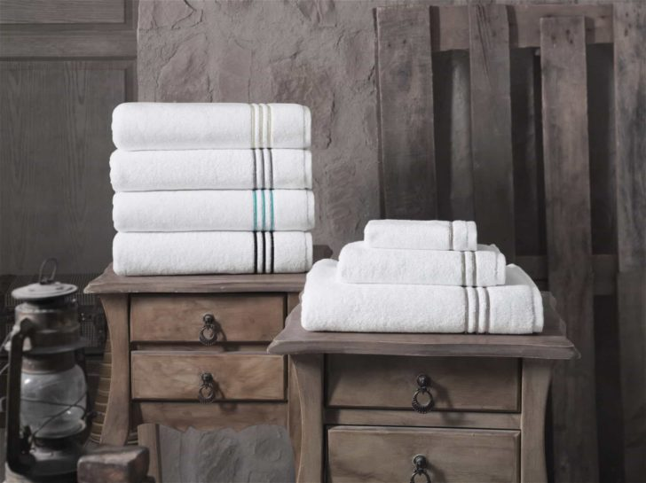 10 Simple Ways to Make Your Towels Soft and Fluffy