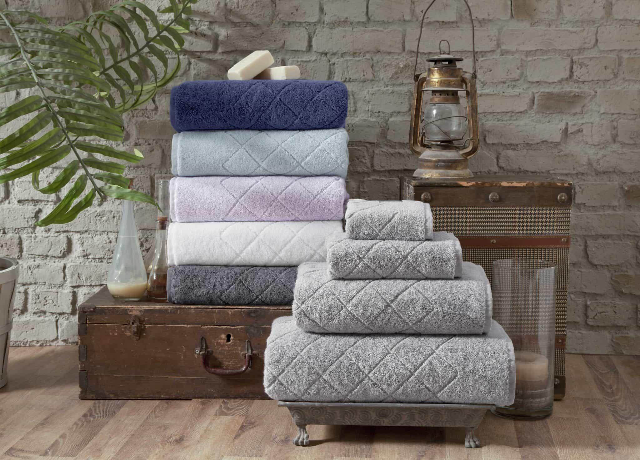 towel stacks