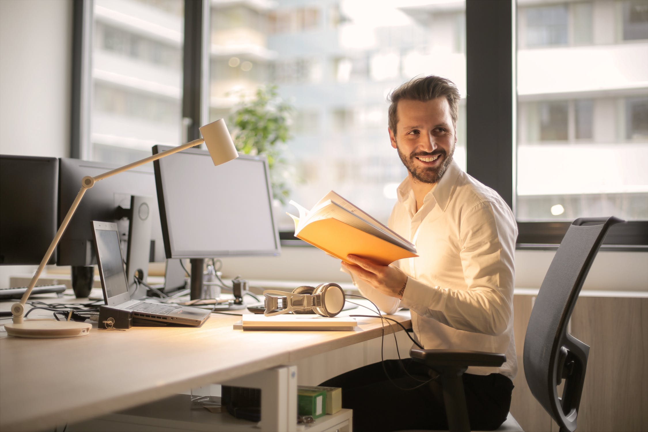 Is Using A Stand Up Desk Better For Your Back Than Using A Traditional Desk?