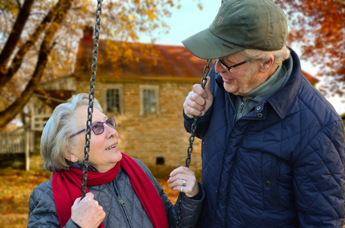 How You Can Help Your Aging Loved Ones By Hiring Professional Caregiver